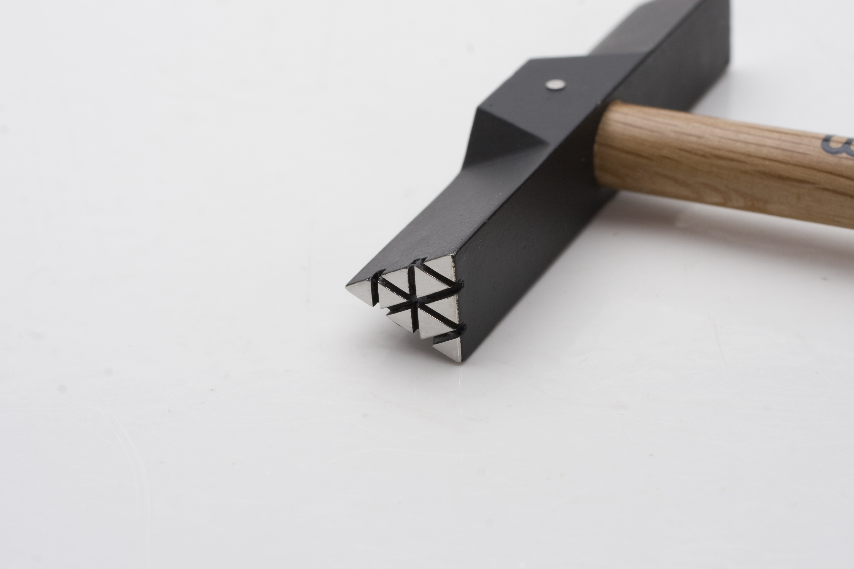 Wubbers Artisan\'s Mark Triangle Outer Texture Hammer: Wired Up Beads ...